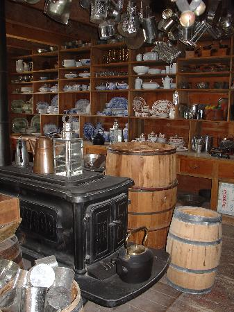 Lower Fort Garry National Historic Site : The Store
