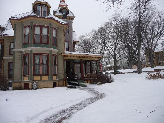 Ann Bean Mansion B&B: Winter wonderland