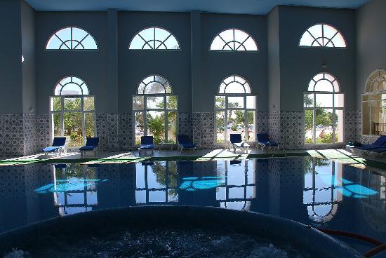 Hôtel Djerba Castille : piscine a 32 degres et jacuzzi