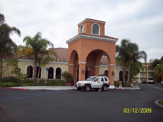 Cortona Inn & Suites Anaheim Resort: Great Location