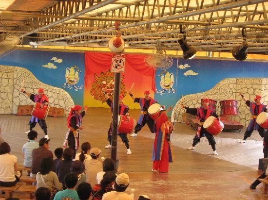 玉泉洞入り口付近 - Picture of Okinawa World Bunka Okoku Gyokusendo, Nanjo - TripAdvisor