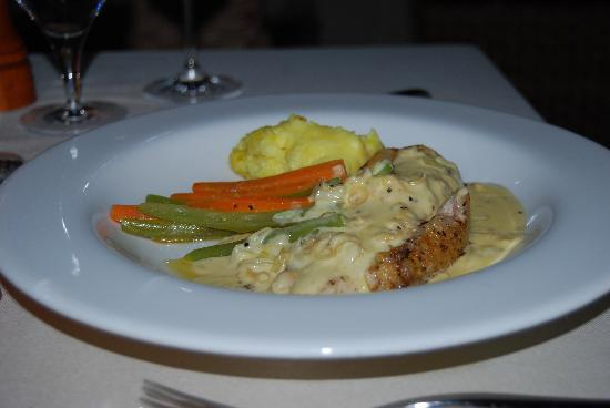 The Springs Resort and Spa: Dinner at The Windows Restaurant