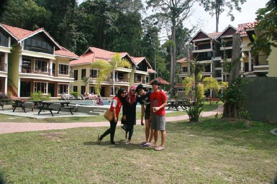 Anjungan Beach Resort: its fun!