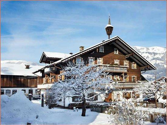 Baby- und Kinderbauernhof Scharrerhof: Winter holidays on the baby and child-friendly farm in Hollersbach, Salzburg province