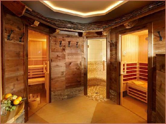 Baby- und Kinderbauernhof Scharrerhof: Our spa and relaxation area with sauna, steam room and infra-red therapy cain