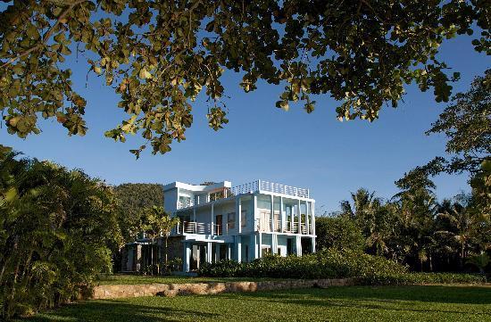 Knai Bang Chatt : 3 renovated villa from the 60's