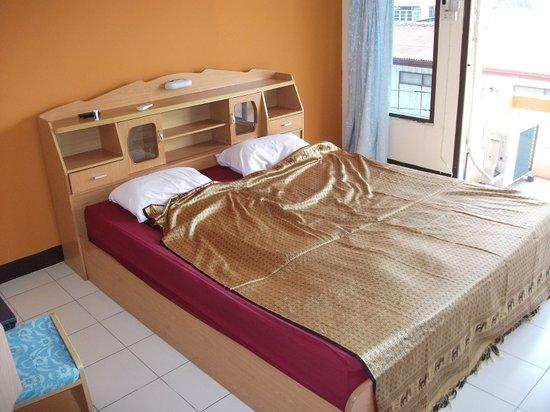 Sofia Hotel: Bed