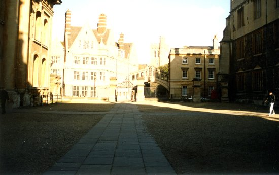 ‪Hertford College‬