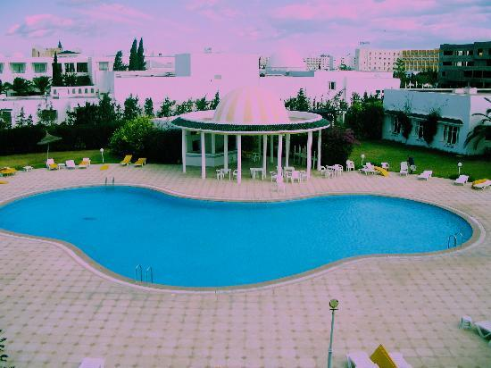 Zodiac : Pool from Room (colder than the sea)