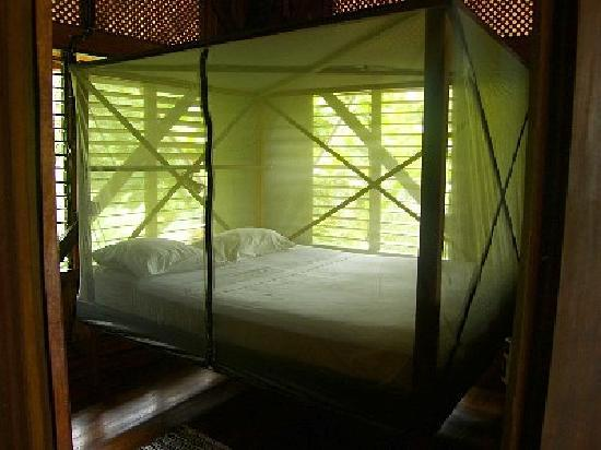 Casa Dos Rios: Fully netted beds with reading light and fan