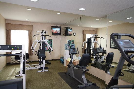 Boothill Inn & Suites: Fitness center open 24 hours for your convenience.