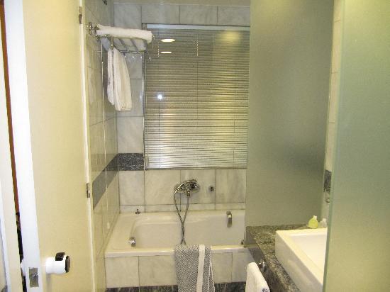 Kaningos 21 Hotel: La salle de bain