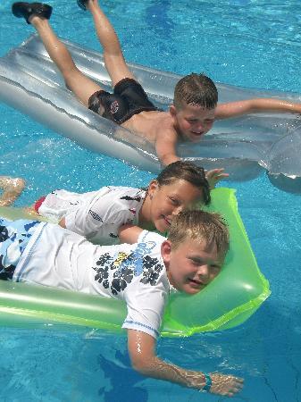 Dome Beach Hotel & Resort PAI: kids enjoyed pool
