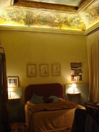 Hotel des Saints Pères - Esprit de France : Nice comfy bed