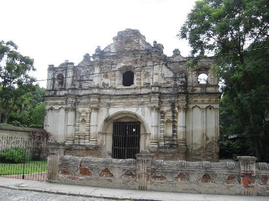 Casa Santa Rosa Hotel Boutique: 18th century churches