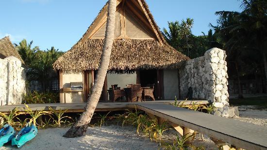 Aitutaki Escape: View of the villa from the beach
