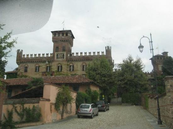 Mazze, Italy: Castello di Tonengo di Mazzè
