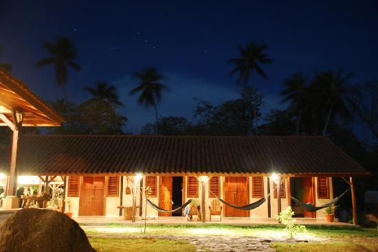 Finca San Juan de la Isla: Nightshot of the rooms