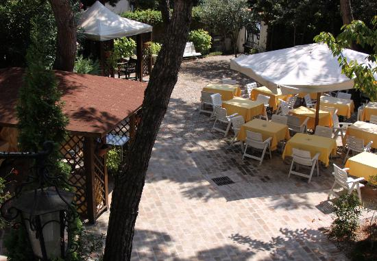 Lido di Venezia, Itália: Breakfast patio