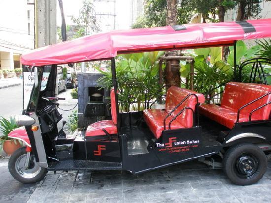 The Fusion Suites Bangkok: Hotel's free tuktuk to sukumvit