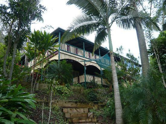 Musavale Lodge: Building