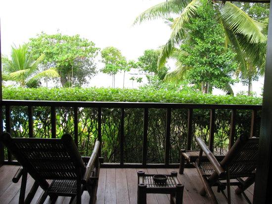 DACOZY Beach Resort: The deck