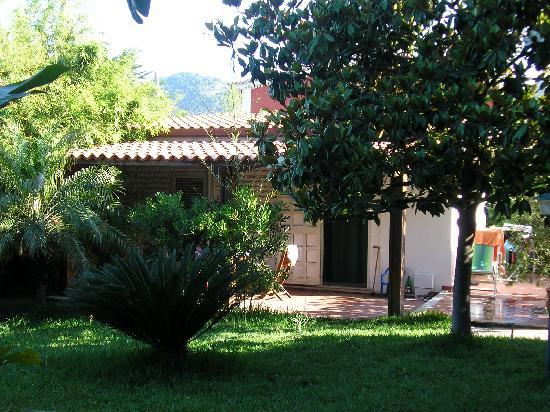 Trezene Villaggio : Chalet in garden setting