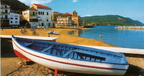 Trezene Villaggio : Santa Maria di Castellabate, beach and boulevard
