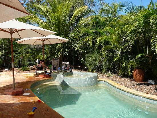 Cocos Beach Bungalows: Pool