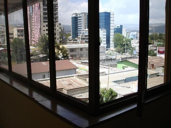Weygoss Guest House: Window looking out to Addis from hallway