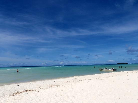 Hyatt Regency Saipan : ホテルのビーチ