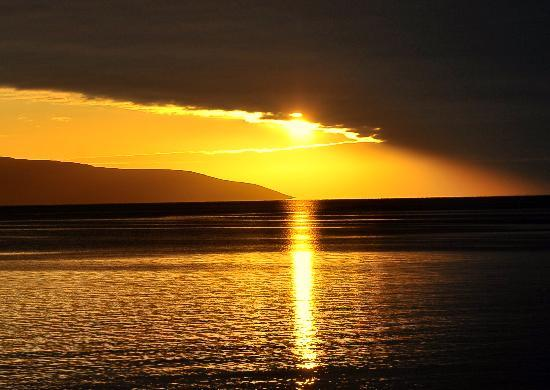 Galway Bay Hotel: Sunset over Galway Bay