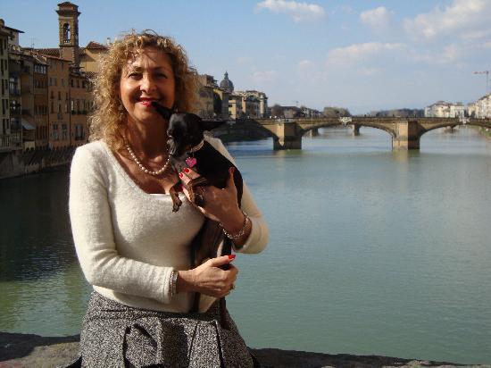 B&B Tre Gigli Firenze: Fernanda e Trilli vi aspettano a Firenze
