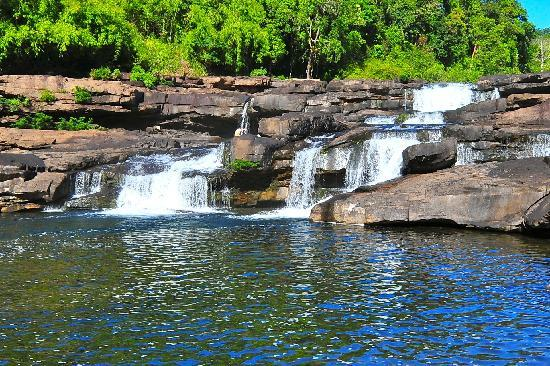 4 Rivers Floating Lodge: Tatai Falls (Dry Season)