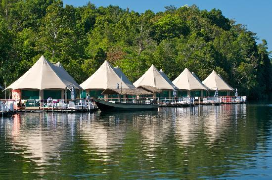 Koh Kong, กัมพูชา: River Tour Boat Docked At Resort