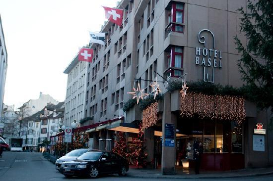 Hotel Basel: view of hotel from street