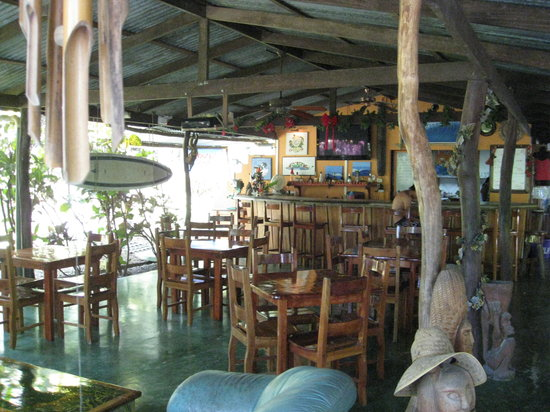 Mal Pais Surf Camp & Resort: Inside Bar