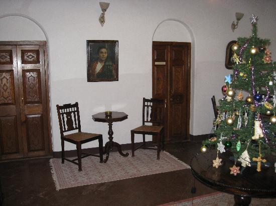Neemrana's - Villa Pottipati: Entrance to Pochampalli room from entrance hall.