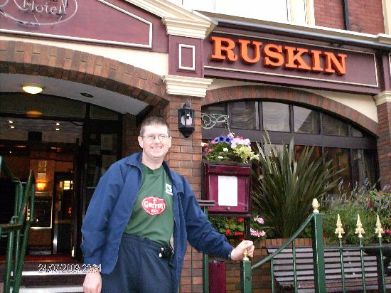 Ruskin Hotel: Me outside Ruskin on day coming home