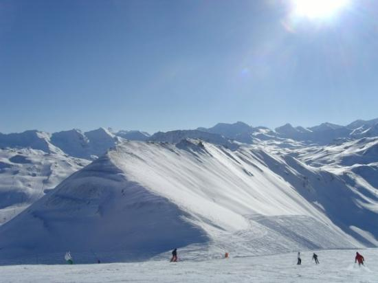 how to get to val d isere