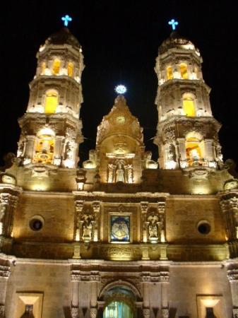 Zapopan, المكسيك: BASILICA DE ZAPOPAN