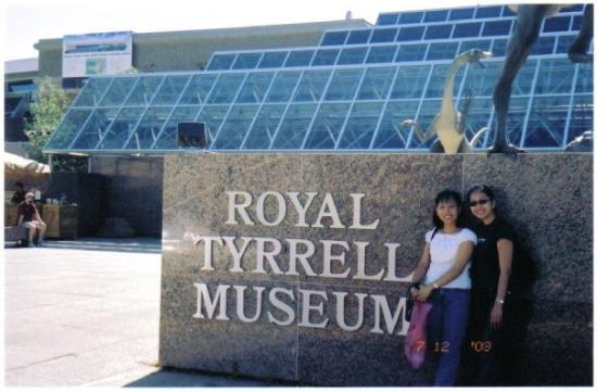 Museo Real Tyrrell: 07.11.03 - Royal Tyrell Museum Drumheller Valley  Alberta Canada