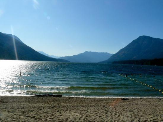Wenatchee, WA: Lake Wananchi The beach i was at like errr day