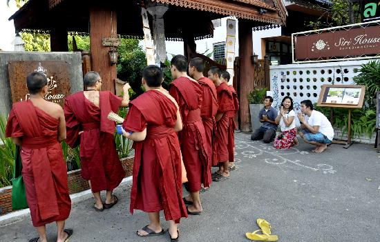 Siri House: Monks bless the house for properity
