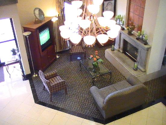 Fairfield Inn & Suites Tucson North/Oro Valley: lobby from 2nd floor balcony