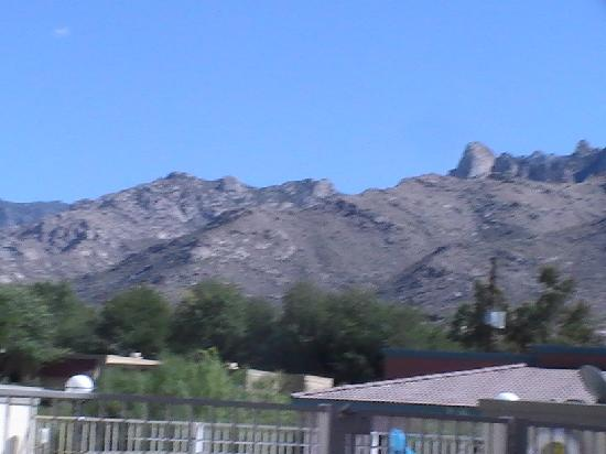 Fairfield Inn & Suites Tucson North/Oro Valley: mountain view of push ridge mountains