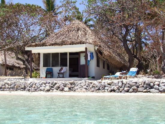 Castaway Island Fiji: Our Bure at Water's Edge