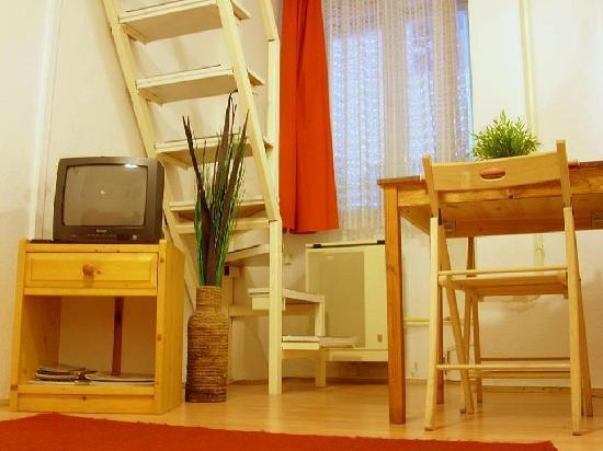 Apartment Akademia: Living Room