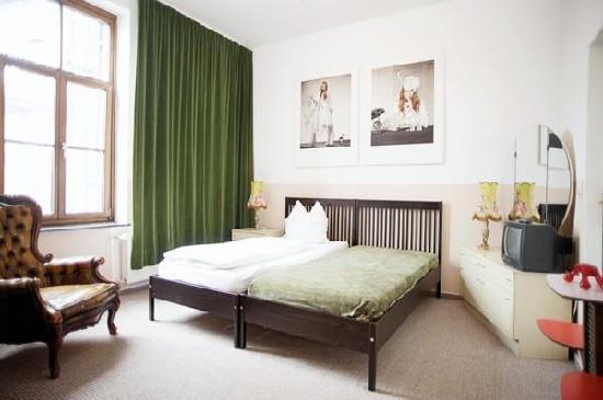 hotel marsil k ln almanya otel yorumlar ve fiyat. Black Bedroom Furniture Sets. Home Design Ideas