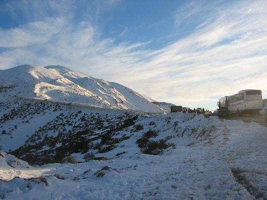 Abisko Lodge and Apartments: the drive up to Mt Hutt